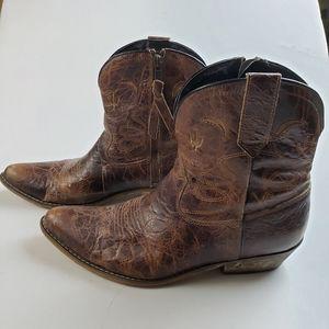 Dingo Adobe Rose Moon & Cactus Boots Sz 10m